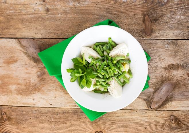 Sałatka z ziemniakami, zieloną fasolką i mozzarellą Galbani - Galbani