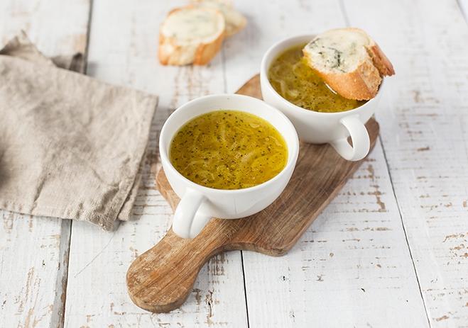 Zapiekana zupa cebulowa z gorgonzolą Galbani - Galbani