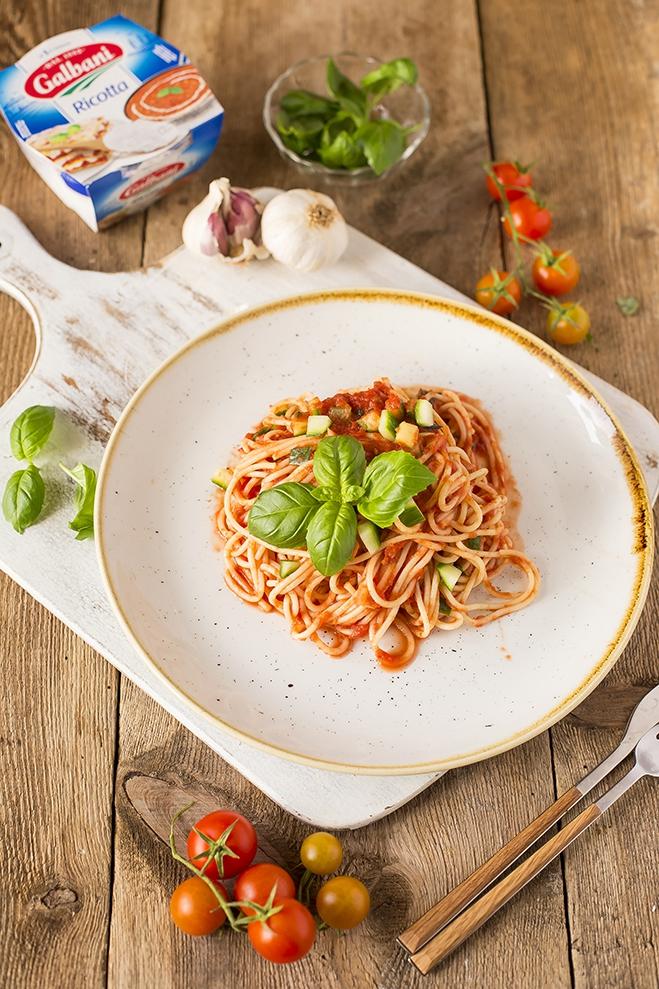 Makaron boloński z ricottą Galbani i cukinią - Galbani – od ponad 130 lat dostarczamy najlepsze włoskie smaki na talerze całego świata