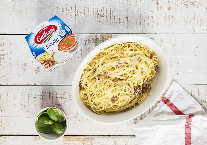 Spaghetti à la carbonara z ricottą Galbani - Galbani – od ponad 130 lat dostarczamy najlepsze włoskie smaki na talerze całego świata