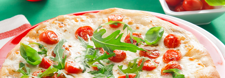 Pizza z Mozzarellą, rukolą i pomidorami koktajlowymi - Galbani