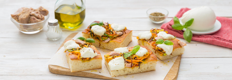 Pizza z ziemniakami, krojonymi warzywami i Mozzarellą - Galbani