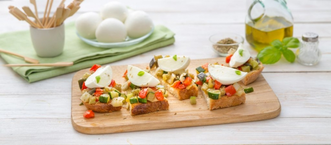 Rustykalna Bruschetta z Mozzarellą i warzywami - Galbani