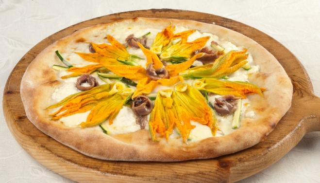 Pizza z Ricottą, Gorgonzolą i kwiatami dyni - Galbani