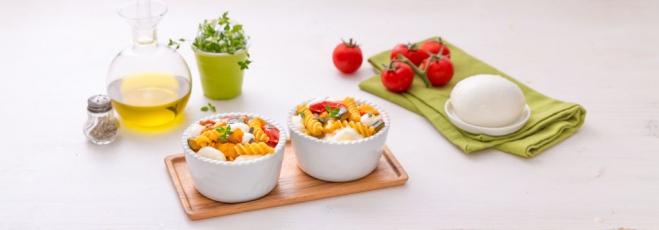 Pieczony makaron z mozzarellą, serem i warzywami - Galbani
