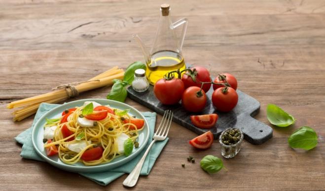 Makaron z Mozzarellą i pomidorami - Galbani