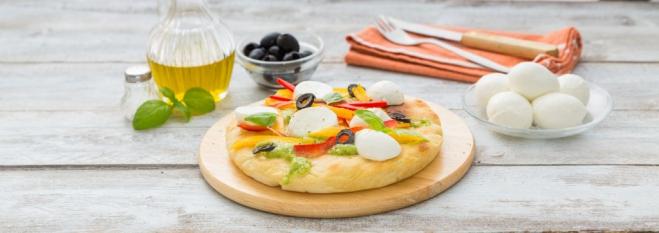 Pizza z chrupiącymi warzywami i Mozzarellą - Galbani