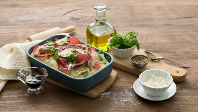 Pizza z parmezanem, bresaolą i rukolą - Galbani – od ponad 130 lat dostarczamy najlepsze włoskie smaki na talerze całego świata