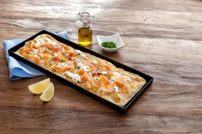 Prostokątna pizza z Mozzarellą i łososiem - Galbani