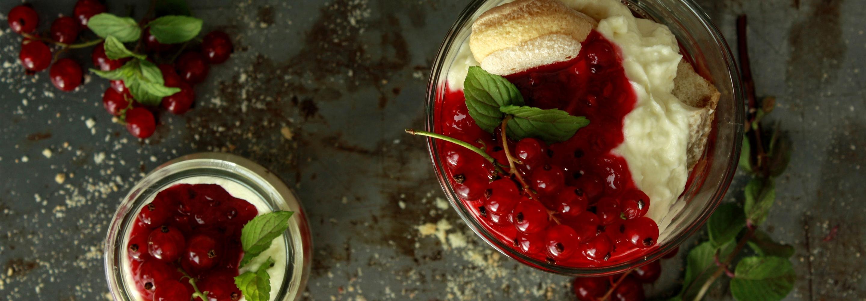 Tiramisu z jagodami, jeżynami i porzeczkami - Galbani