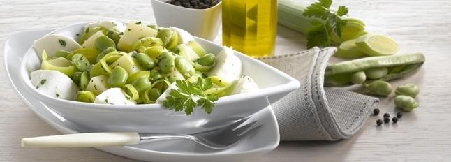 Gorąca sałatka z ziemniakami, fasolą i ćwiartkami mozzarelli - Galbani