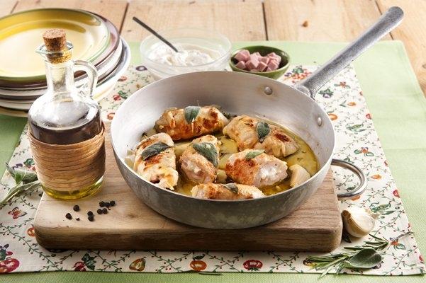 Roladki z kurczaka nadziewane musem z szynki i ricotty - Galbani