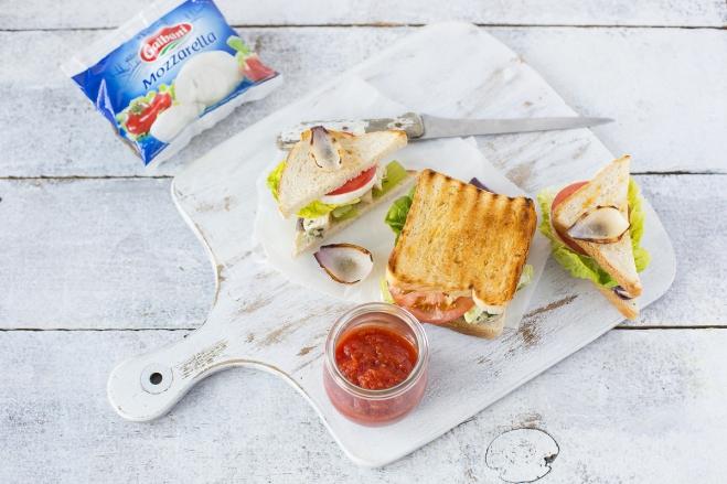Sandwich z sałatką z kurczaka - Galbani